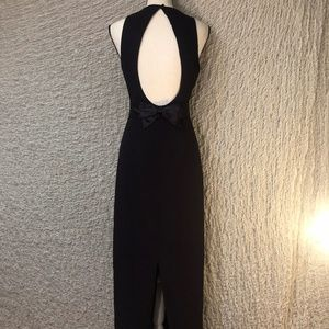 Classy Silhouette Backless Plum Shelli Segal Dress